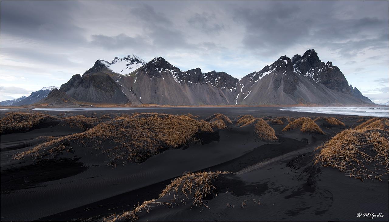 Iceland, Hofn, Stokkness peninsula Vestrahorn Mountains